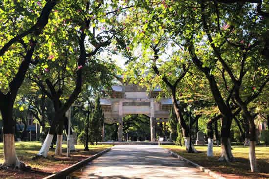 广州中山大学校园内著名古蹟揭秘