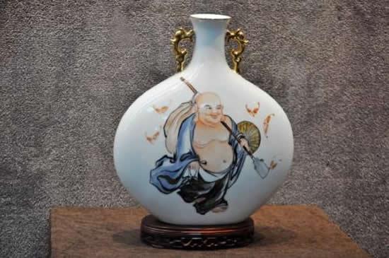 广府传统民俗文化广彩作品展在少年儿童图书馆开展
