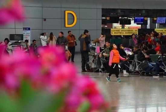 2018年春运首周广州白云机场接送旅客136.9万人次