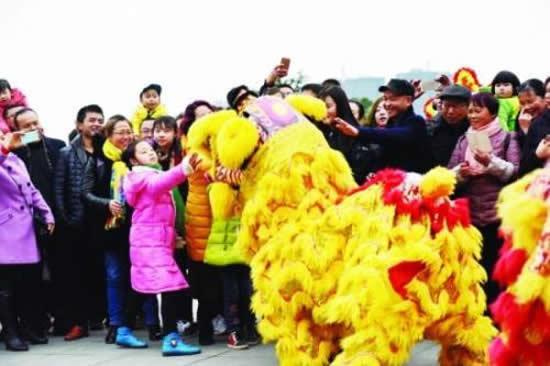 广东各地富有地方特色年俗节目陆续上演