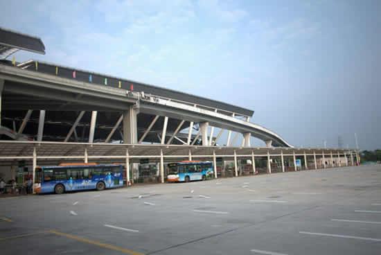 广州南站年初五迎客流春节假期返程高峰