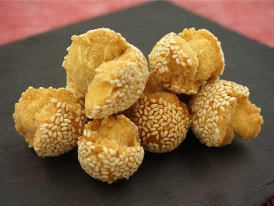 广州传统贺年小吃笑口枣怎么做的?