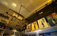 WOW惊喜的老街酒吧