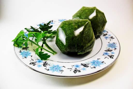广东传统的祭祖食品之艾草糍粑