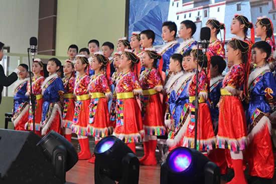 广州首届民办学校合唱节决赛日前举行