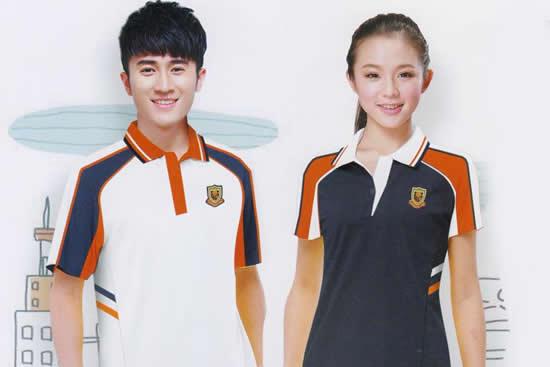一场独特的校服主题展活动在海珠区乐峰广场举行 广州哪间学校的校服最好看