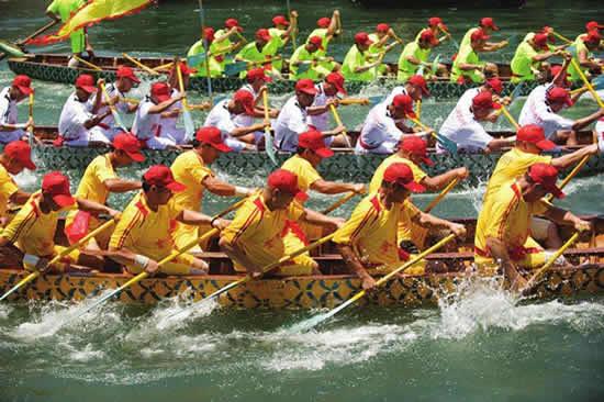 广州端午节一日游带你观赏赛龙舟 BRT沿线的城中村都有传统龙舟赛事
