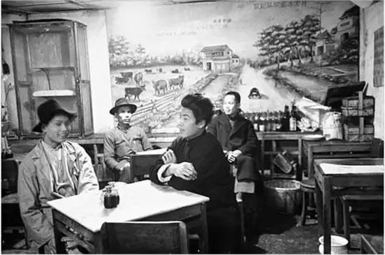 广州百年前的茶楼走的是高大上路线,茶价与点心价都不是整数!