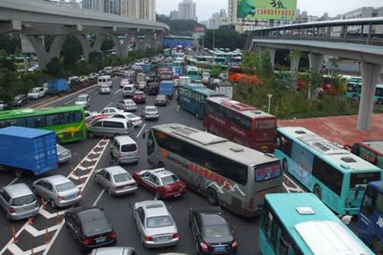 广东深圳交警发布2018年端午假期交通出行 预测明日11时离深将最堵