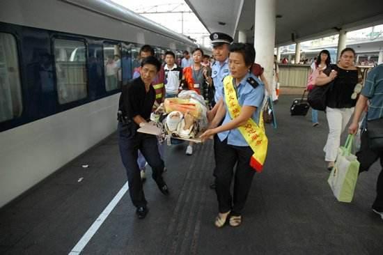 2018年端午节小假期第二天广铁集团发送旅客152万人次同比增长11.9%