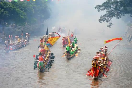 广州一日游哪里好玩?到土豪村猎德村参加龙舟招景活动!