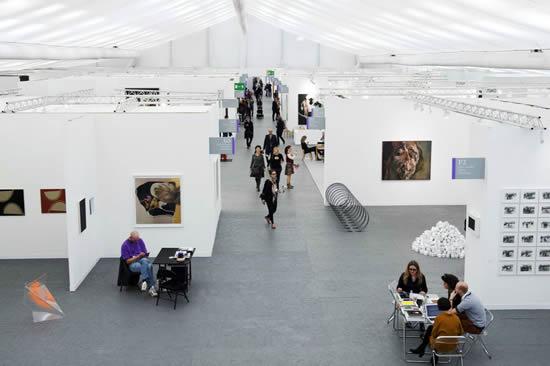 23届春季广州国际艺博会6月22日在琶洲开幕 汇聚了万件原创艺术品