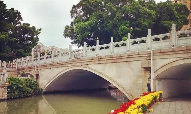 西关的桥以特殊的角度,记录着城市的变迁