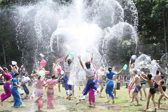 2018年第十二届盛夏泼水狂欢节活动7月14日在流溪河国家森林公园举办