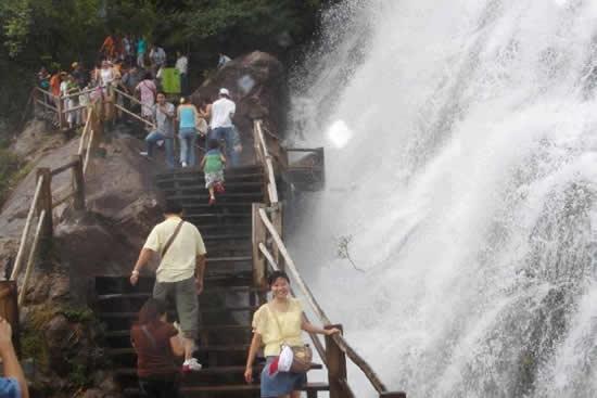 暑假天然大氧吧广州增城白水寨一日游 与孩子戏水玩乐感受清凉