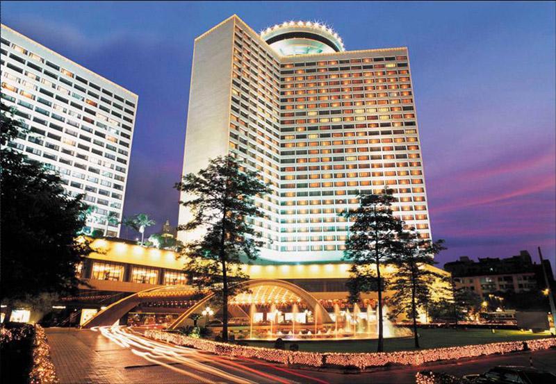 中国花园酒店,从外聘经营到自己管理