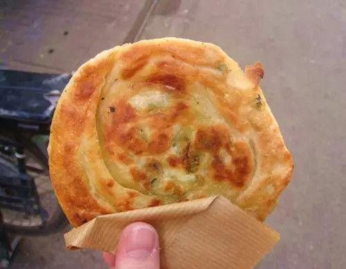 广州传统小吃咸煎饼你吃过了吗?德昌咸煎饼曾经名声远扬!
