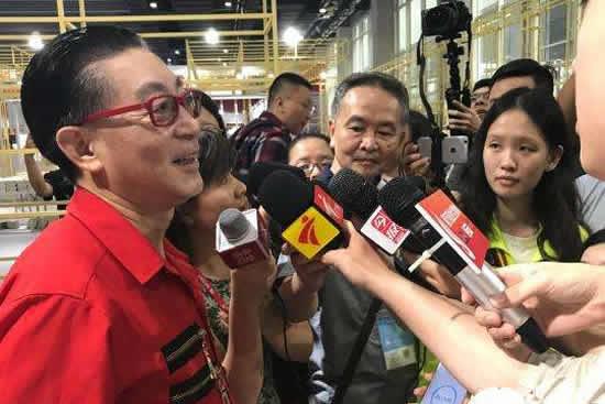 六小龄童现身2018年南国书香节东莞分会场,后半生要致力于传播猴文化!