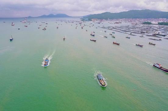 第十六届阳江开渔节开船仪式在海陵岛举行,渔民投入新一轮耕海征程!