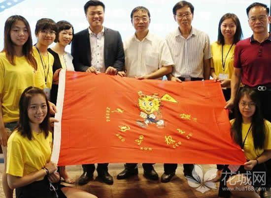 """""""青年中国诵夏令营""""红色之旅昨日启动,第一站是广州广播大厦!"""