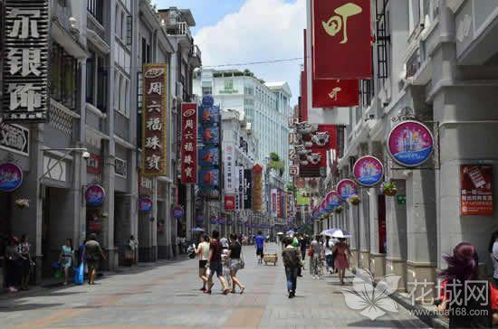 广州曾经一度是直辖市,短短10年间建成了近40公里长的骑楼街!