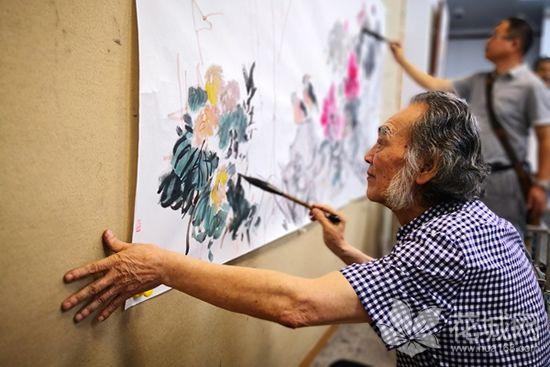 岭南墨社六人大写意条屏展在广州举行,展现岭南墨社水墨精神的主张与实践!