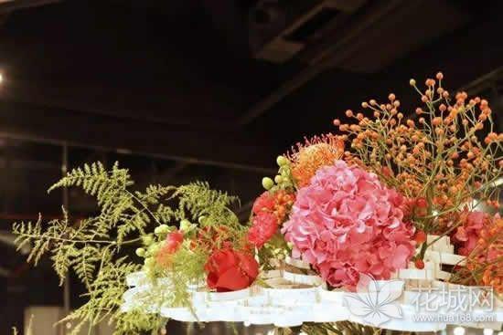 广州即将举办第五届中国杯插花花艺大赛,赏花游成了市民休闲旅游的首选!