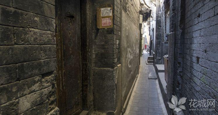 北京最窄胡同之一——钱市胡同