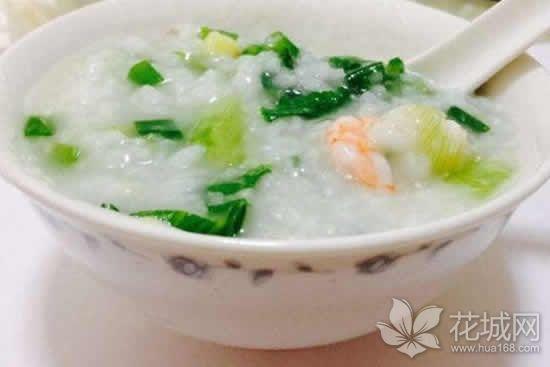 广州著名的特色小食生滚粥是怎么做的?看看你就知道了!