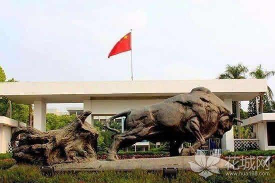 广州著名雕塑家潘鹤与雕塑《孺子牛》的故事探秘!
