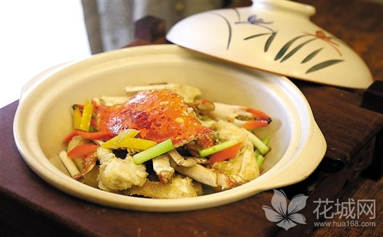 中秋的味道:鲜而肥甘而腻的生啫梭子蟹煲你吃过了吗?