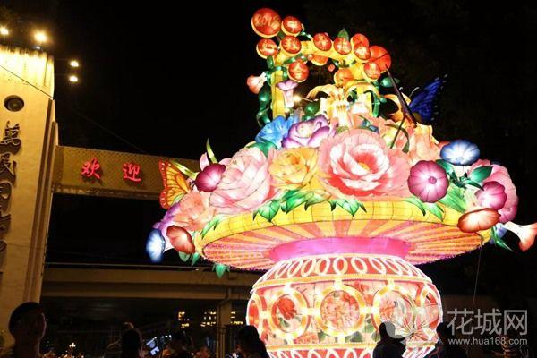 广州一日游哪里最好玩?来文化公园中秋灯会欣赏小版广州塔!